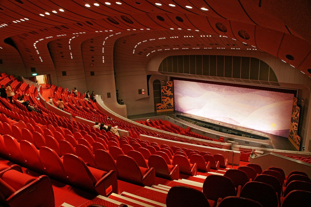 1200px-Takarazuka_Grand_Theater05s4s3104