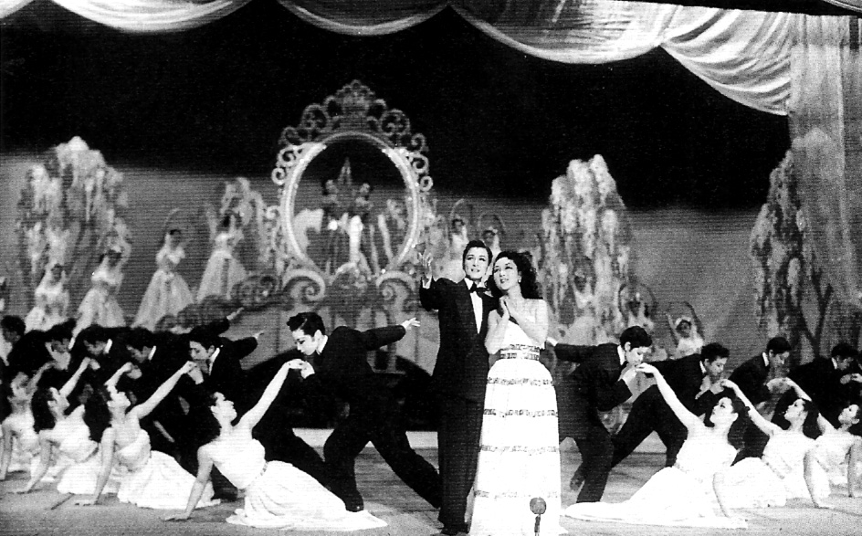The_elegy_of_a_white_flower-Takarazuka1951