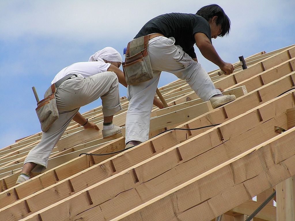 1024px-大工と屋根の垂木構造P8020031